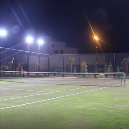 نورپردازی زمین تنیس شرکت بهین تاب